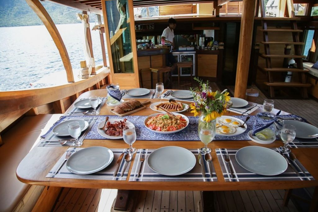 How Much Budget Should You Prepare for Komodo Liveaboard Phinisi Trip